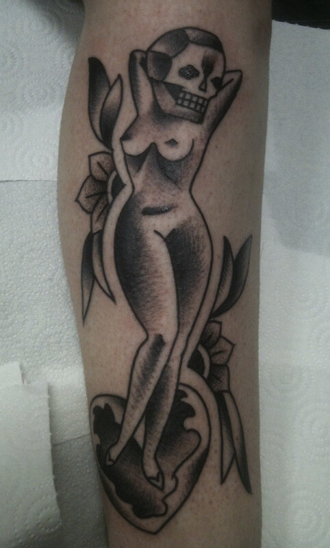 halloween tatoo lady