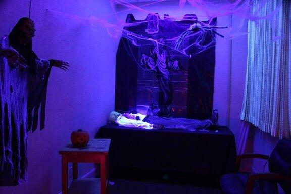 scary dard room halloween house ideas